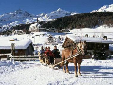 Pferdekutschen-fahren-im-Ahrntal